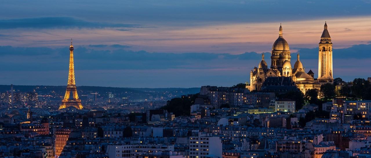 Một ngày 'bụi' ở Paris